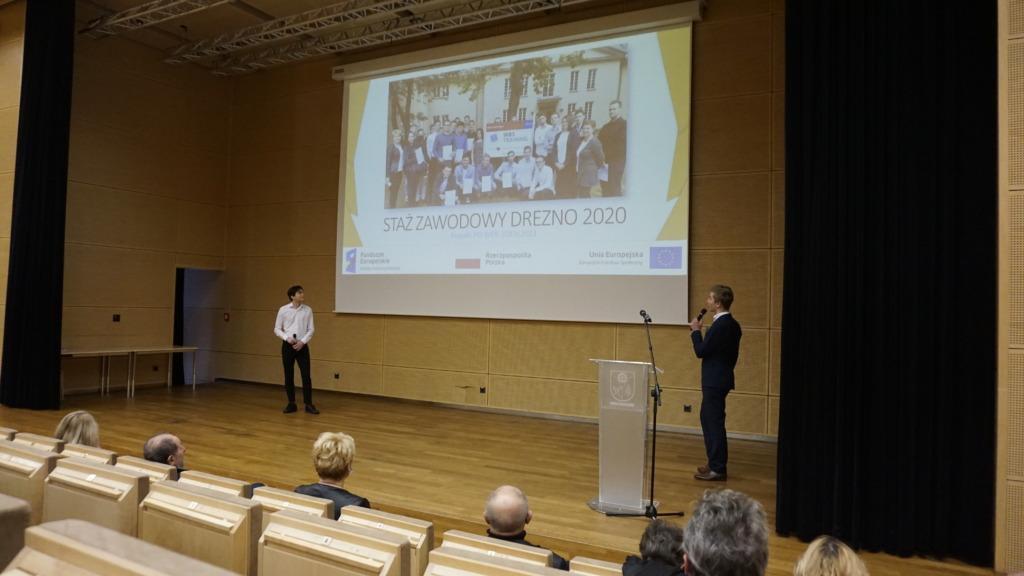 Prezentacja uczniów - uczestników projektu PO WER