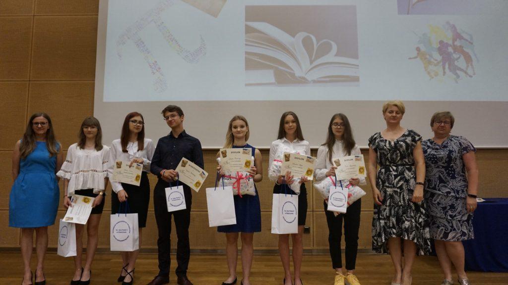 Laureaci konkursów matematycznych zorganizowanych w ZSP Kleszczów